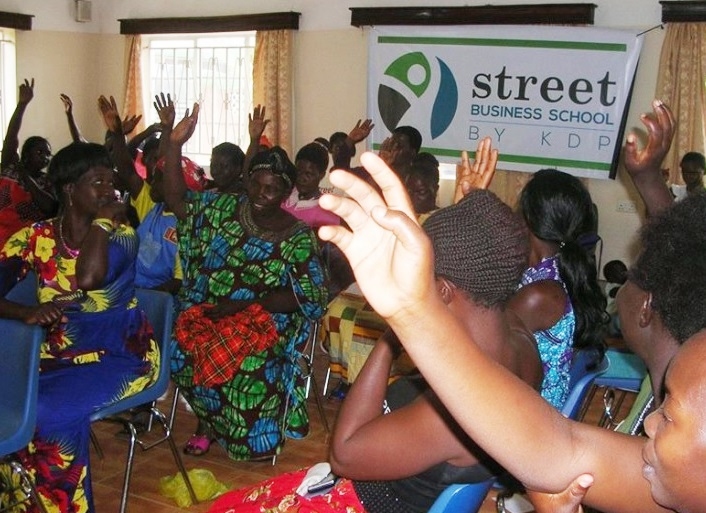Through Street Business School #KabubbuWomen are forging ahead with their sustainable businesses – and self-confidence. From a single item they can progress to a profitable business. When? Now!